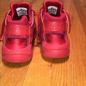 Nike red huaraches size 8